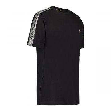 Australian T-shirt with silver stripe on shoulders | black